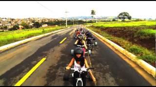 preview picture of video 'Drift Trike Pará de Minas - Rolé de Sábado 15/02/2014 parte 03'