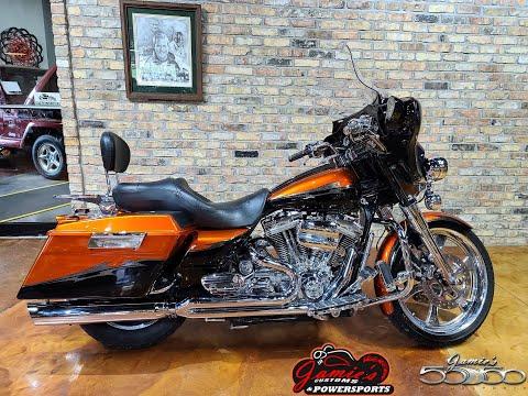 2005 Harley-Davidson FLHT/FLHTI Electra Glide® Standard in Big Bend, Wisconsin - Video 1