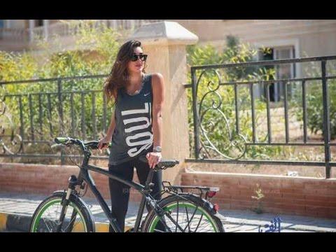 شاهد- ياسمين صبري: أحب أن أستقل دراجتي لهذا السبب