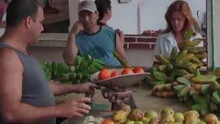 preview picture of video 'Meat and vegetable market Mercado Agropecuario in Sancti Spiritus Cuba'