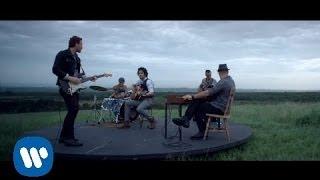 Tommy Torres   Mientras Tanto (feat. Ricardo Arjona) (Video Oficial)