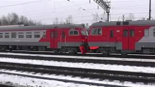 Электровоз ВЛ80С-296 с перегоняемыми электропоездами