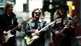 Doobie Brothers - World Gone Crazy - Official Video