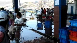 preview picture of video 'Pucusana Muelle de Pescadores Paseos a las Playas Balneario Pucusana Lima'