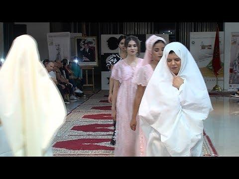 العرب اليوم - شاهد: اختتام فعاليات الدورة الخامسة لمهرجان البلوزة بعرض للأزياء
