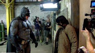 Batman suit 'Batman v Superman' Behind The Scenes [+Subtitles]