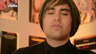 """Charlie Simpson: """"Parachutes"""""""