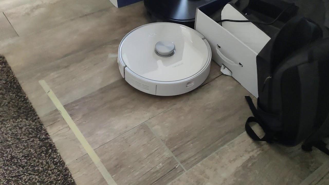 neabot vacuum robot strong sunction