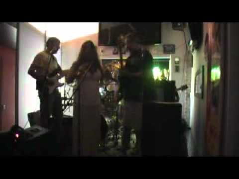 "R2G2 - Live at The Blue Banana    "" I put a spell on you """