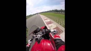 preview picture of video 'Ducati 899 Panigale hot laps at Zhuhai International Circuit @ Ducati DRE day.'