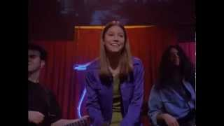 Jessica Biel sings