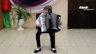 Анна Шматко исполняет песенку Чижик-пыжик (М. Товпеко)