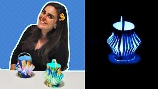 Neste vídeo você aprende passo a passo como fazer uma linda lamparina para decoração de festa junina. Ela pode ser usada como centro de mesa dos convidados é linda e super fácil de fazer!!!!  Você vai precisar de basicamente cartolina, chita e vela eletrônica. Gostou? Se inscreva no meu canal!!!!! www.facebook.com/amofestas www.amofestas.com