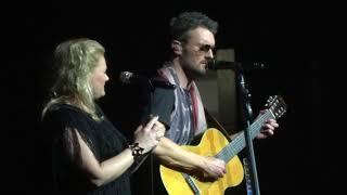 "Eric Church & Joanna Cotten in Kansas City ""Like Jesus Does"" 3/02/19"