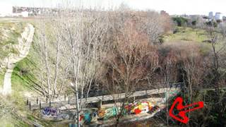 preview picture of video 'Botes de pintura Puente Meaques, 2 de febrero de 2013'