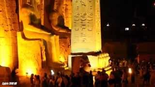 preview picture of video 'Luxor Temple at night light El Antiguo Egipto de los Faraones'