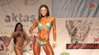 T walking Biliana Yotovska IFBB Bikini champion