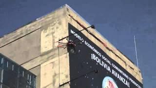 preview picture of video 'Vuelo con drone en La Paz (Bolivia)'