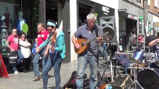 preview picture of video 'Spin2 - Twiddly Jam Twister (Exeter High Street)'