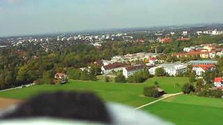 preview picture of video 'Flugvideo (HD Camera) mit Modellflugzeug bei München'