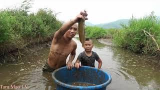 Trê Đồng Nấu Măng - Anh Em Tam Mao Tát Cạn Cả Con Suối Để Bắt Cá
