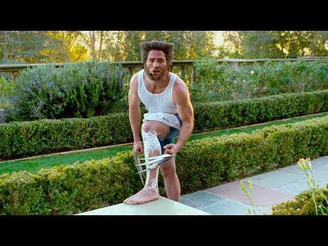 金剛狼用艾德曼合金刮腿毛,一部惡搞超級英雄的科幻電影