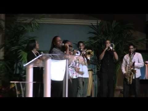 "Stellar Award Nominee Benita Farmer & New Journey @ IYWCC 2010 [Pt 02] ""Higher"" and Interview"
