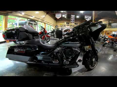 2012 Harley-Davidson FLHTK LIMITED in South Saint Paul, Minnesota - Video 1