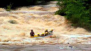 preview picture of video 'Rafting in Kenya'
