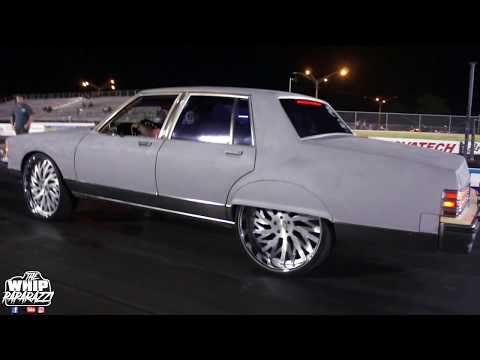 """Pontiac Bonneville on 26"""" SD Forged Wheels on the Track"""