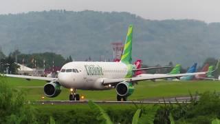 Pesawat Terbang Citilink Airbus A320 Take Off (Pesawat Terbang Indonesia)