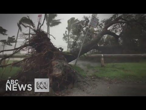 Cyclone Debbie smashes into Queensland coast