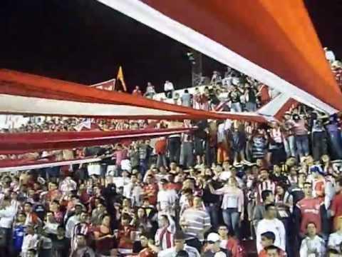 """""""Hinchada de Instituto vs N.Chicago - Vamos el albirrojo te vinimos a ver"""" Barra: Los Capangas • Club: Instituto"""