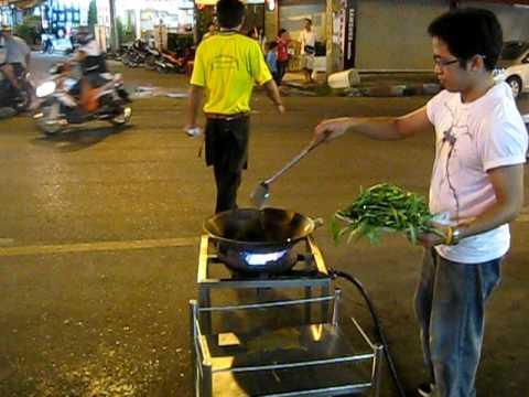 神人開掛炒菜,這樣會比較好吃嗎?