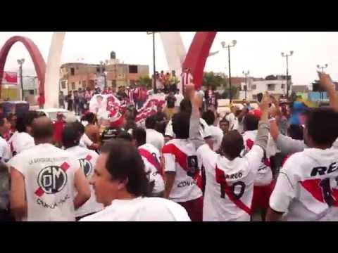 """""""Muni Vuelve a primera"""" Barra: La Banda del Basurero • Club: Deportivo Municipal"""