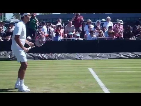 Roger Federer hitting with Stefan Edberg at Wimbledon 2015