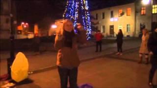 preview picture of video '5.12.11 - HAPPENING NA MIĘDZYNARODOWY DZIEŃ WOLONTARIUSZA - TOSZEK.wmv.avi'