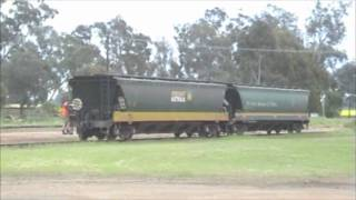 preview picture of video 'Benalla to Oaklands broad gauge'