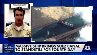 Why navigating the Suez Canal is challenging
