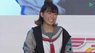 斉藤朱夏さん、笑顔で過剰なサービス