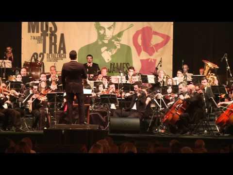 Banda Sonora De Bond Interpretada Por Orquesta
