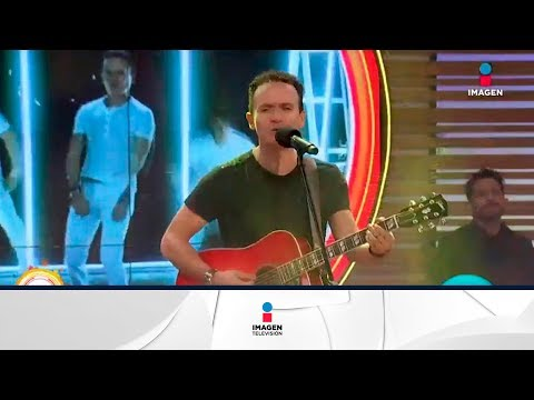 ¡Fonseca canta 'Por pura curiosidad' en el foro! | Sale el Sol