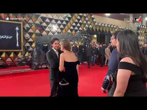 أحمد مالك ومنة شلبي يصلان افتتاح مهرجان القاهرة السينمائي