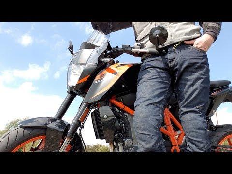 Motorrad-Jeans: Meine Vor- und Nachteile | Piotrrr Moto