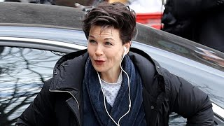 Renée Zellweger Is Unrecognizable as She Totally Transforms Into Judy Garland for New Biopic