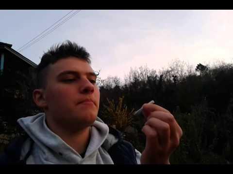 Trattiamo il cetriolo di video di emorroidi