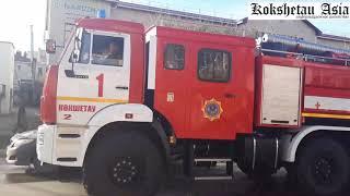 Три бригады и вышка. Пожарный переполох в Кокшетау и сгоревшая машина