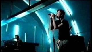 Suede - Interview + Savoir Faire (Live at Asylum Studios, 1999)