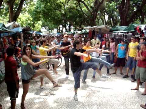 Flashmob dance em Belém - PA.. Pça da Republica Beat it - Michael Jackson.