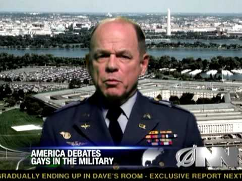 Gayové jsou příliš cenní, než aby šli do armády - The Onion